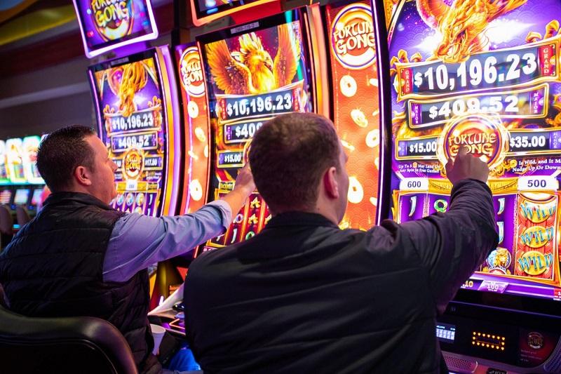 Beating Slot Machines
